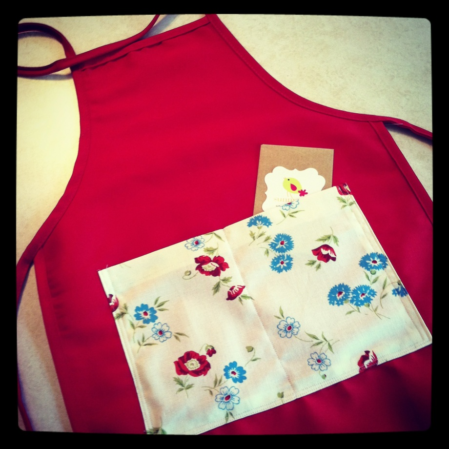 Sunnyseed apron: comes with seeds in the pocket!
